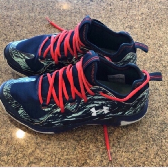 outlet store 0321e 467f3 M 5cae9d24fe19c7962201d639. Other Shoes you may like. Under Armour C1N Training  Shoes